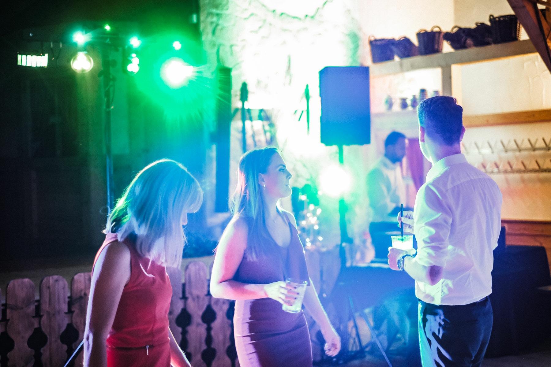 Hochzeitsreportage KirchlicheTrauungKiller BeatriceSven Hochzeitsfotograf authentische Fotos Albstadl MarcusBraun Fotografie www.mb fotografie.de 029 - Beatrice & Sven Hochzeitsreportage in Killer & Schaebischer Albstadl.