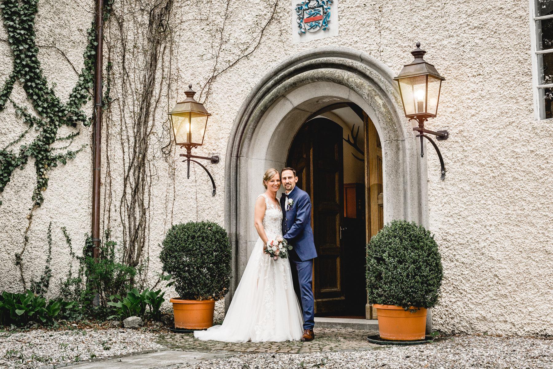 Portrait Annika ChristianHochzeitsreportage SchlossWilflingen Hochzeitsfotograf Eisighof MarcusBraun Fotografie  www.mb fotografie.de 07 - Heiraten im Schloss Wilflingen anschließend ausgiebig feiern auf dem Eisighof..